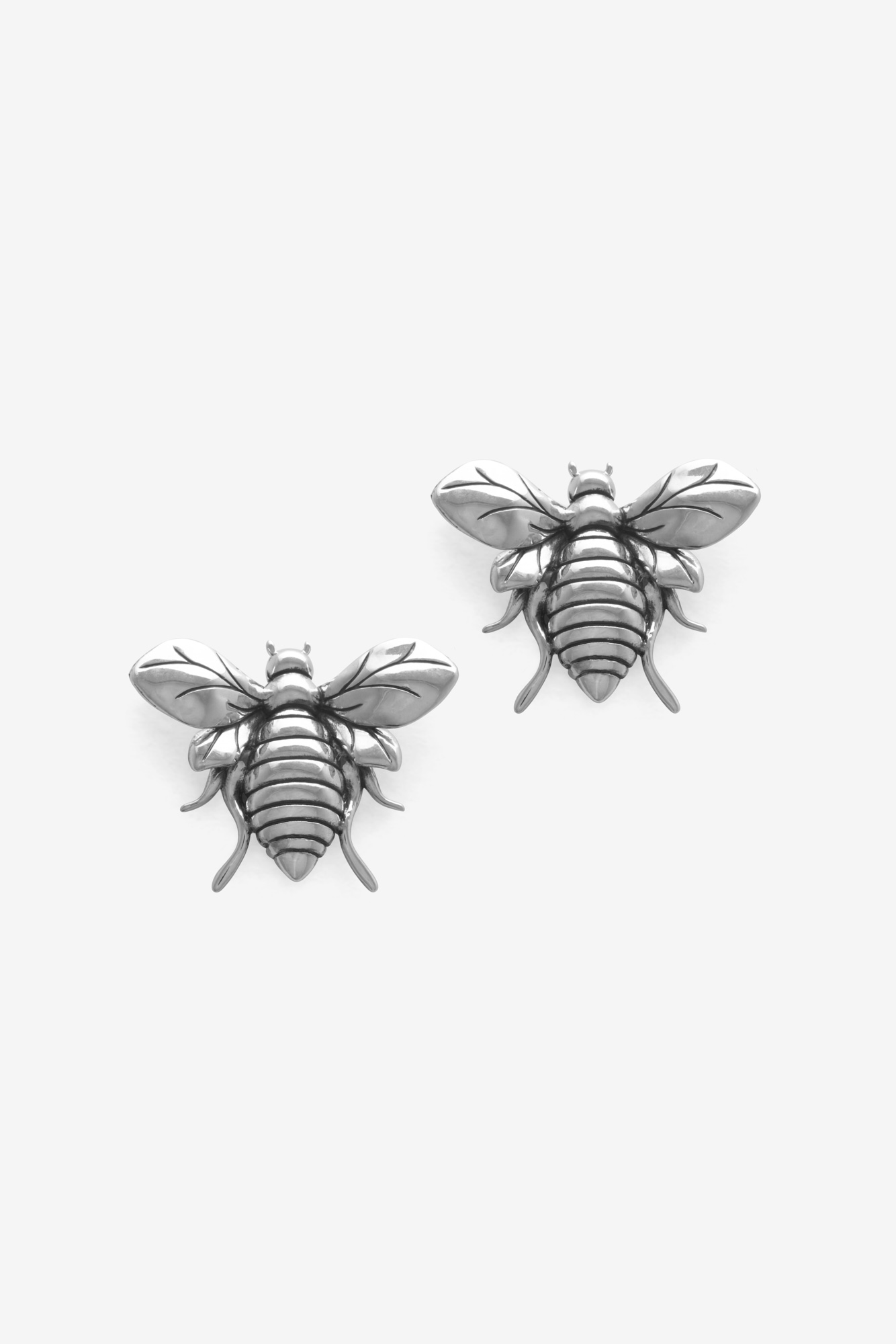 19-03-5-1-001-114-11_Bee Earring_Silver_03