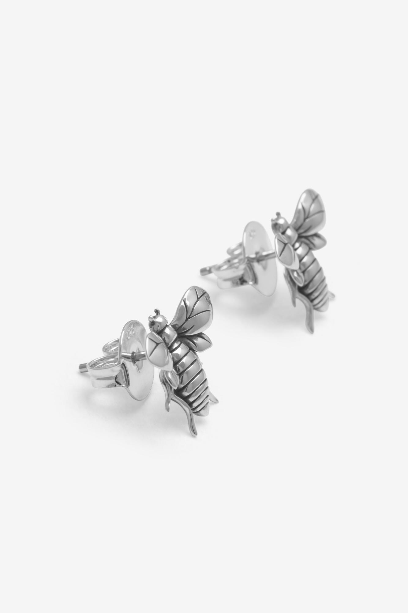 19-03-5-1-001-114-11_Bee Earring_Silver_04
