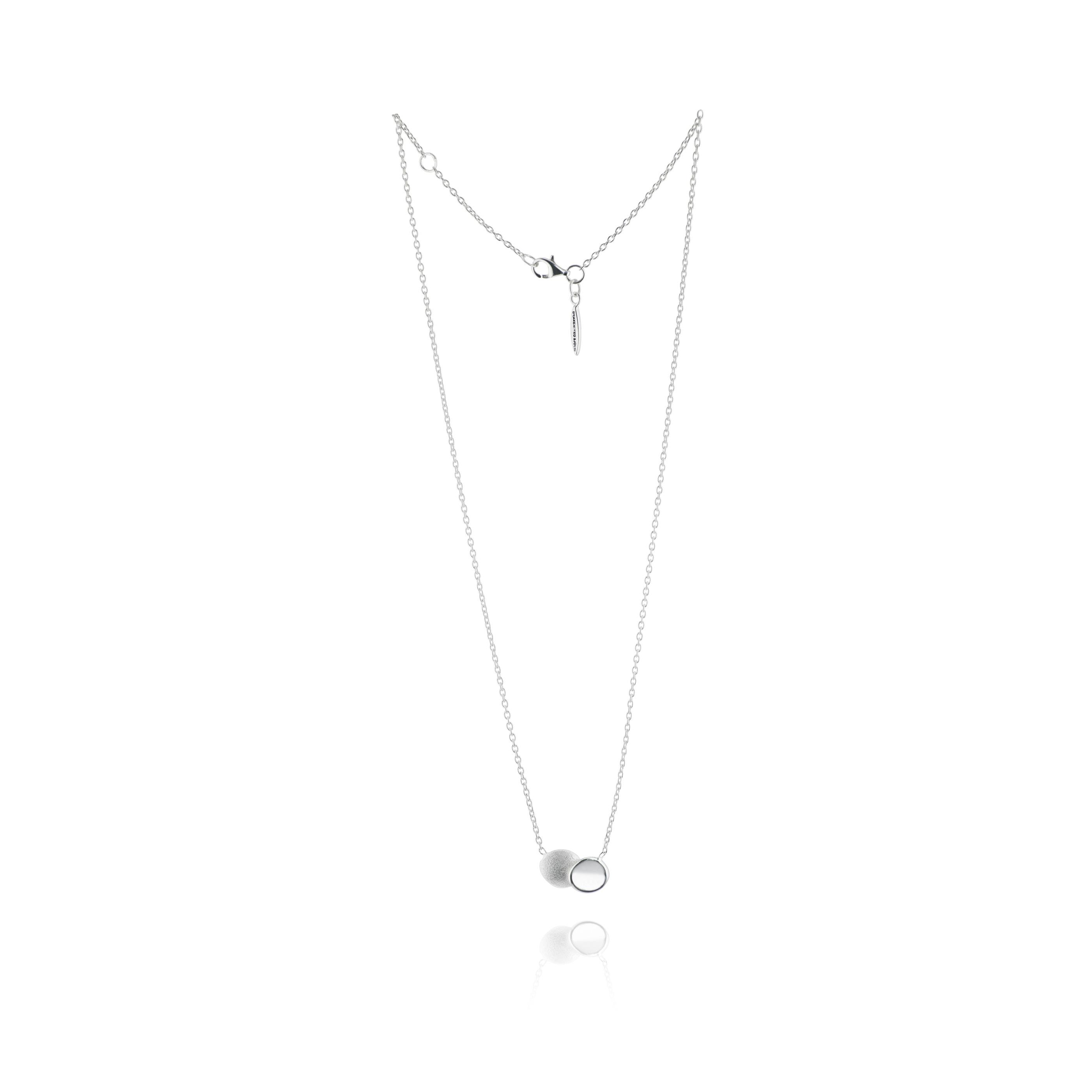 Rocky Shore medium single necklace