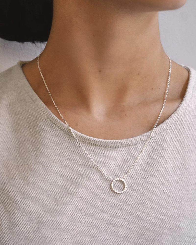 halo-single-necklace-big-01
