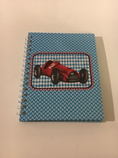 Skrivbok, racerbil -