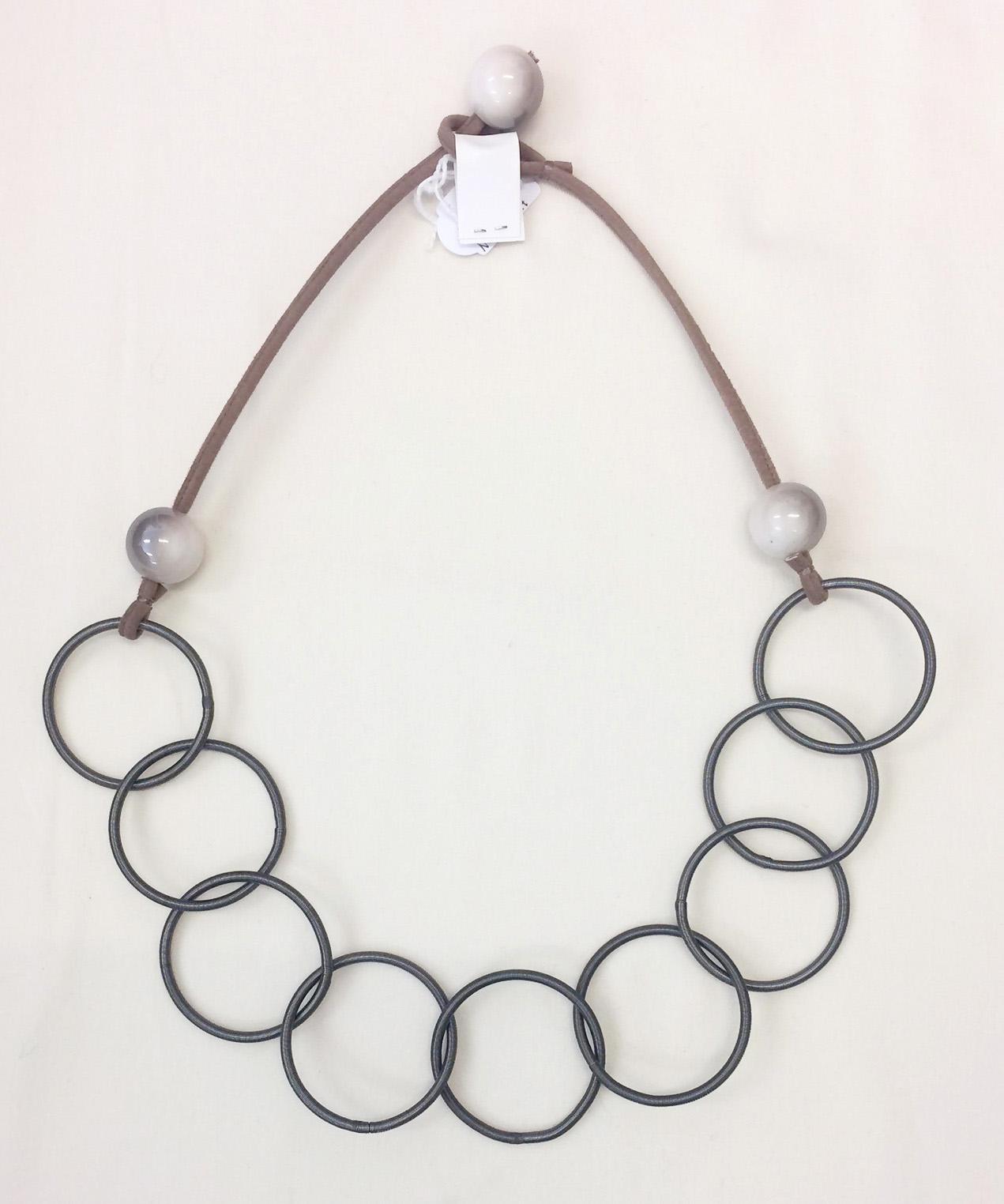 TL Halsband raisinkula stålfjäderringar grå