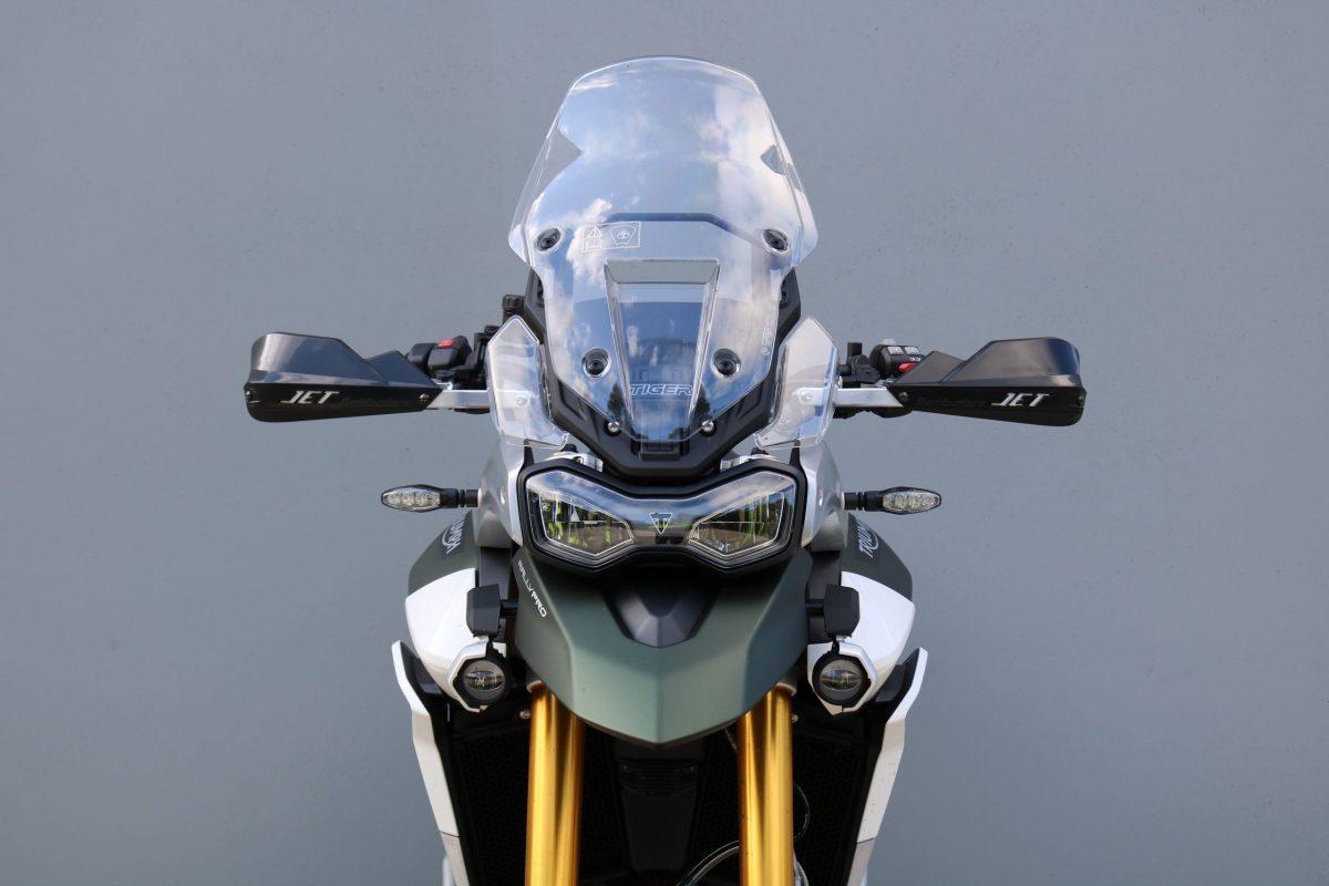 Barkbusters-jet-tiger900_02