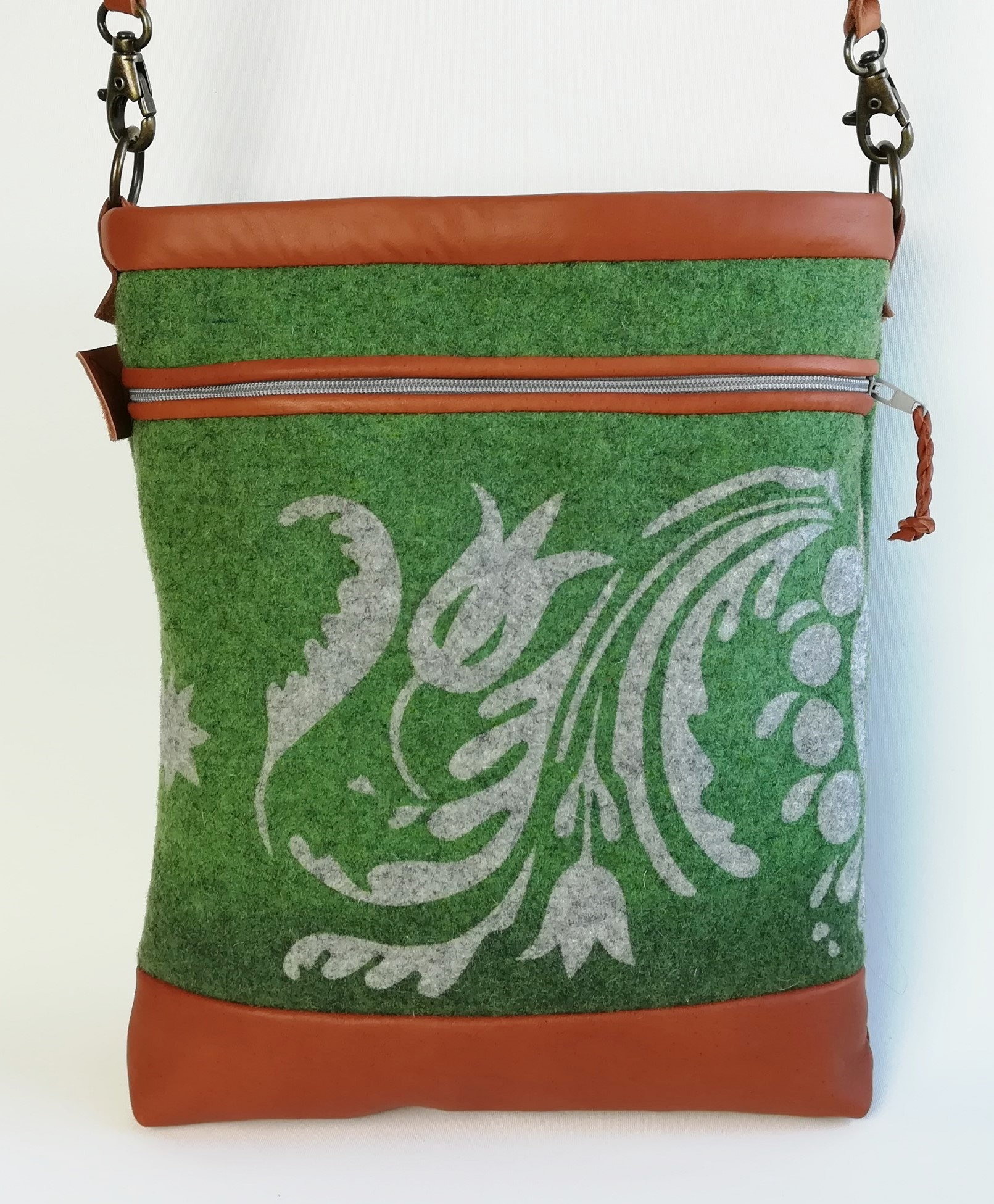 Gustaf väska grön färgställning
