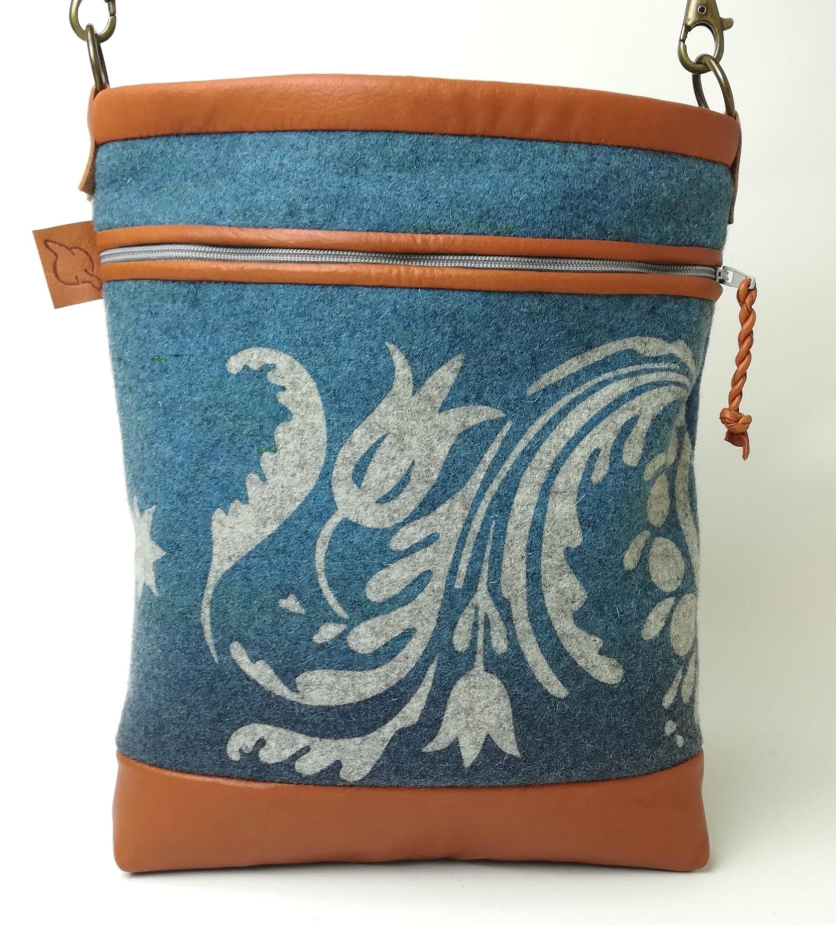 Gustaf väska blå färgställning
