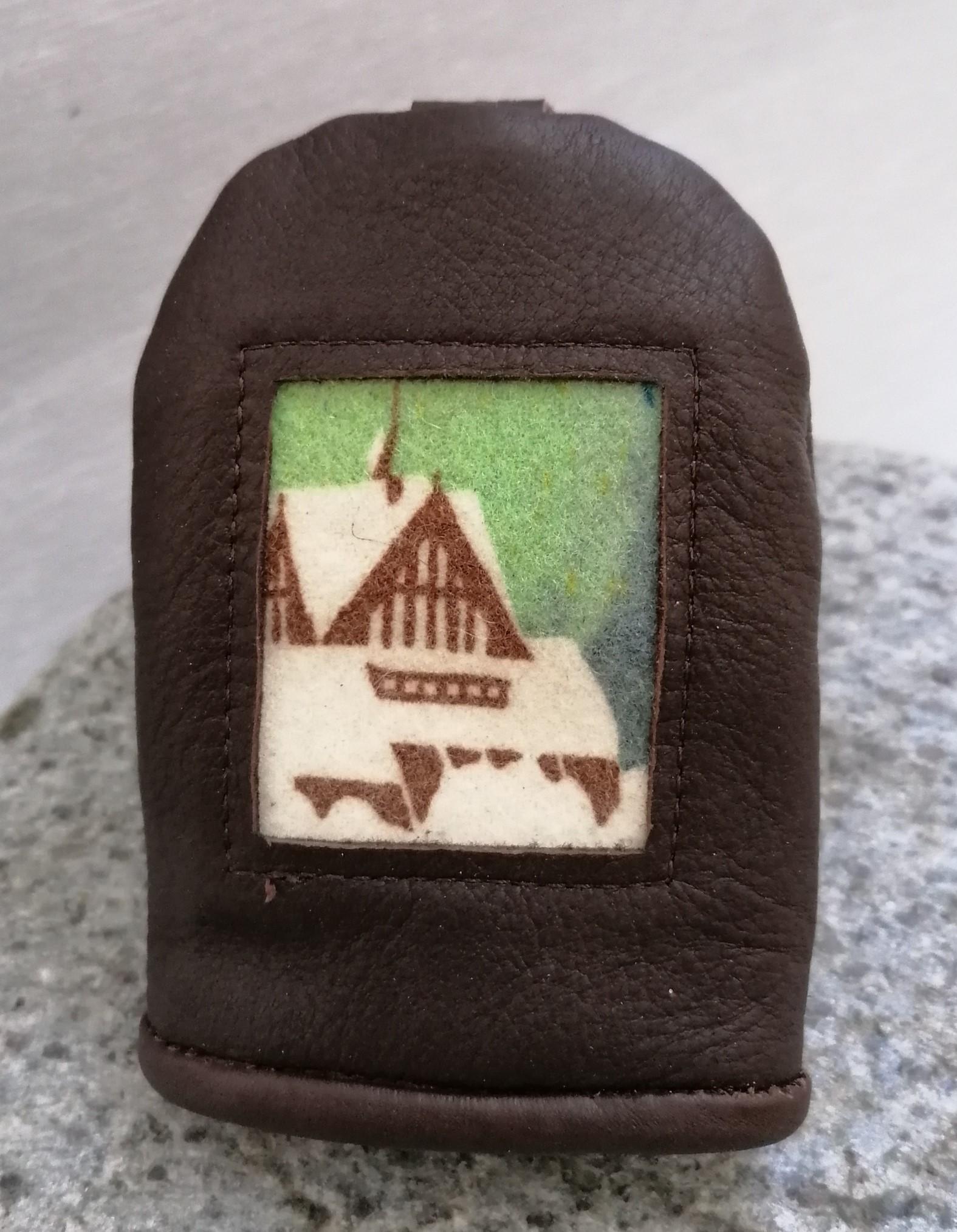 Kiruna kyrka mörkbrunt renskinn