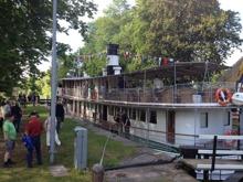 Passagerarbåt i Hajstorp sluss