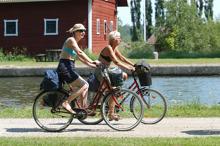 Cykla längs med Göta kanal