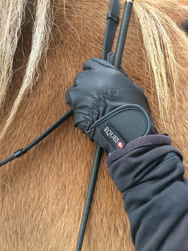 EQUES GLOVES