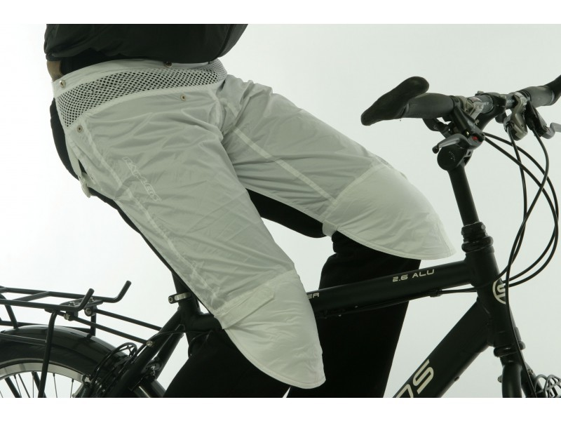 rainlegs_on_bike_-_white