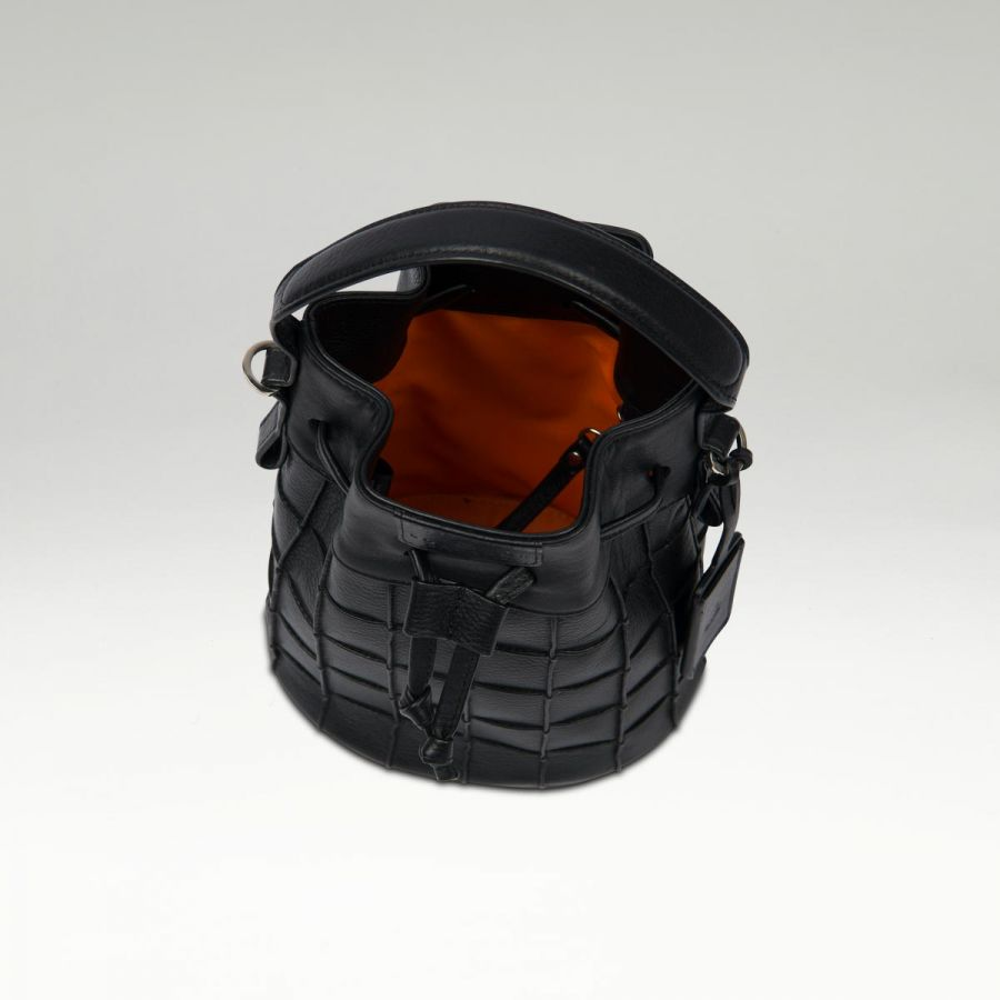 mini_bucket_bag_black_in