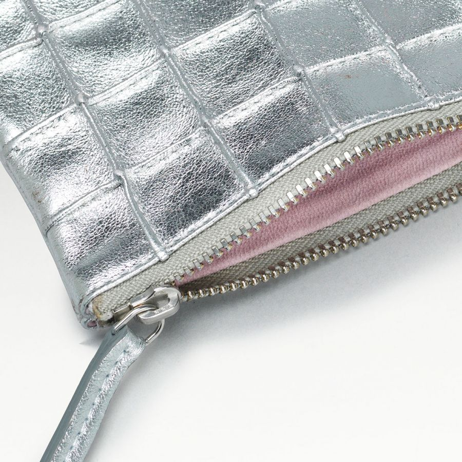 bolinder_coin-purse_silver_zoom-2a71cd0b76d329c22b7b76e34df49819