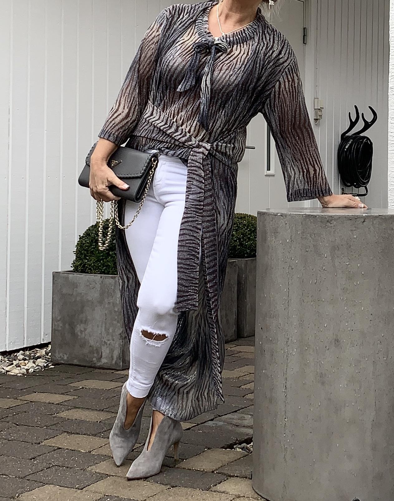 Hailey-Wrap-Kimono-Tiger IMAGE BY ME