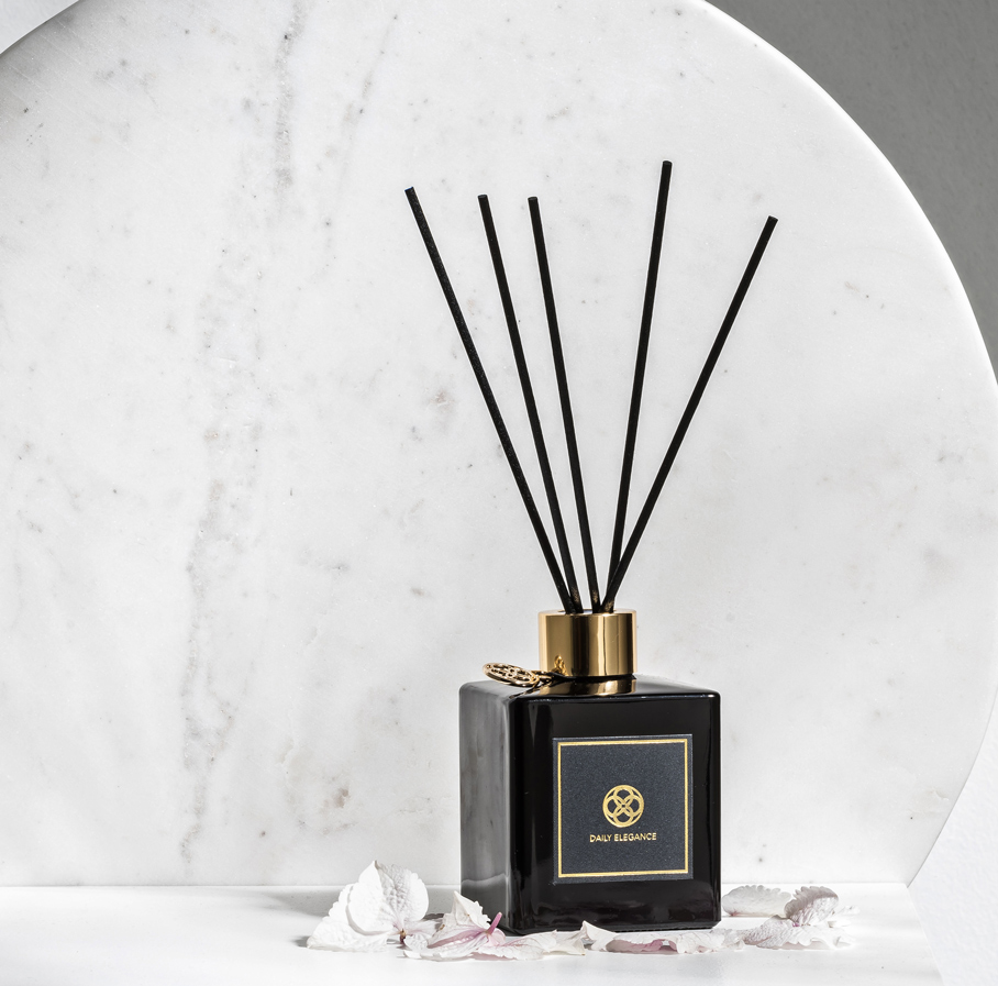 Daily Elegance Black scent Dawon diffuser IMAGE BY ME