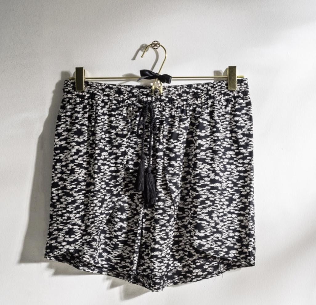 Éze Shorts
