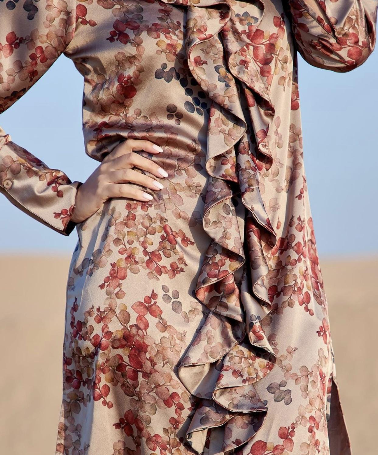 KARMAMIA Ruffle Kimono (short) - Melange Taupe IMAGE BY ME