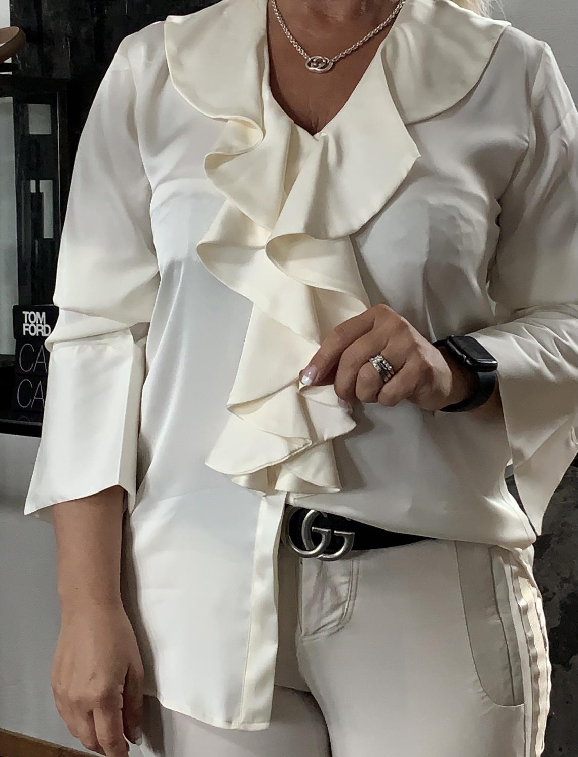 KARMAMIA Isla Shirt - Off White IMAGE BY ME