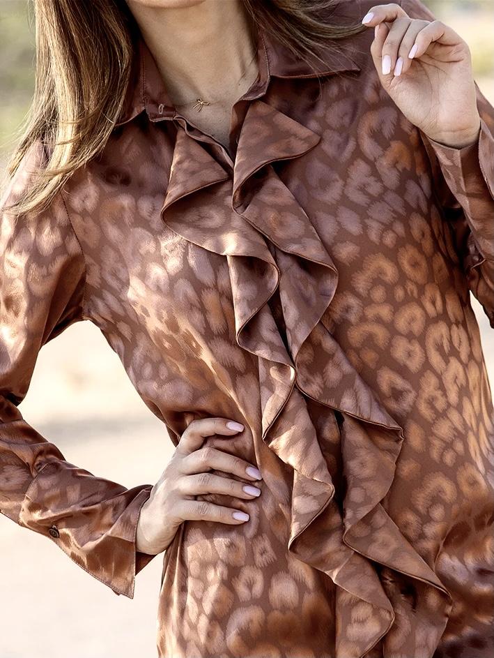 KARMAMIA Ruffle Kimono (short) - Bronze Leo Jacquard IMAGE BY ME
