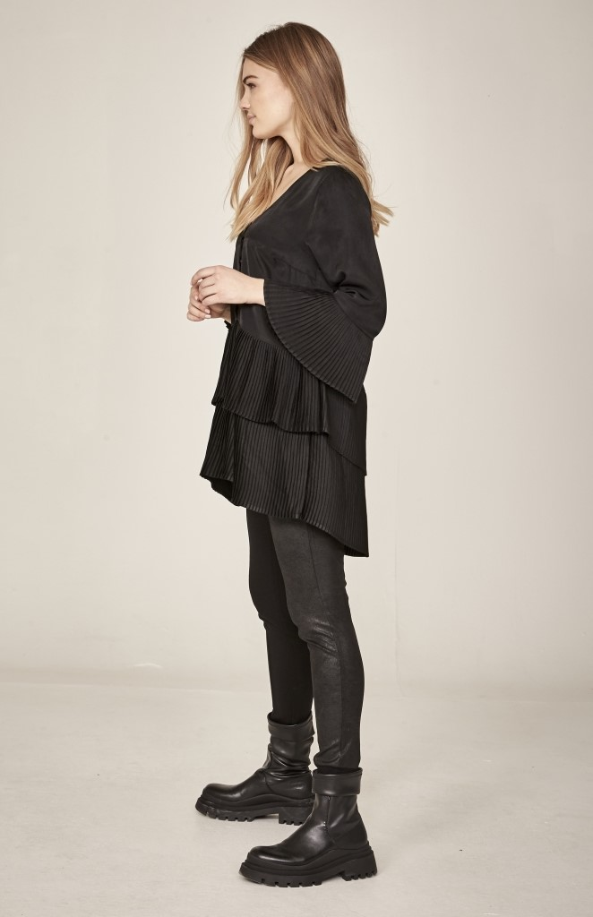 NÜ DENMARK ITO PLEATED TUNIC BLACK IMAGE BY ME