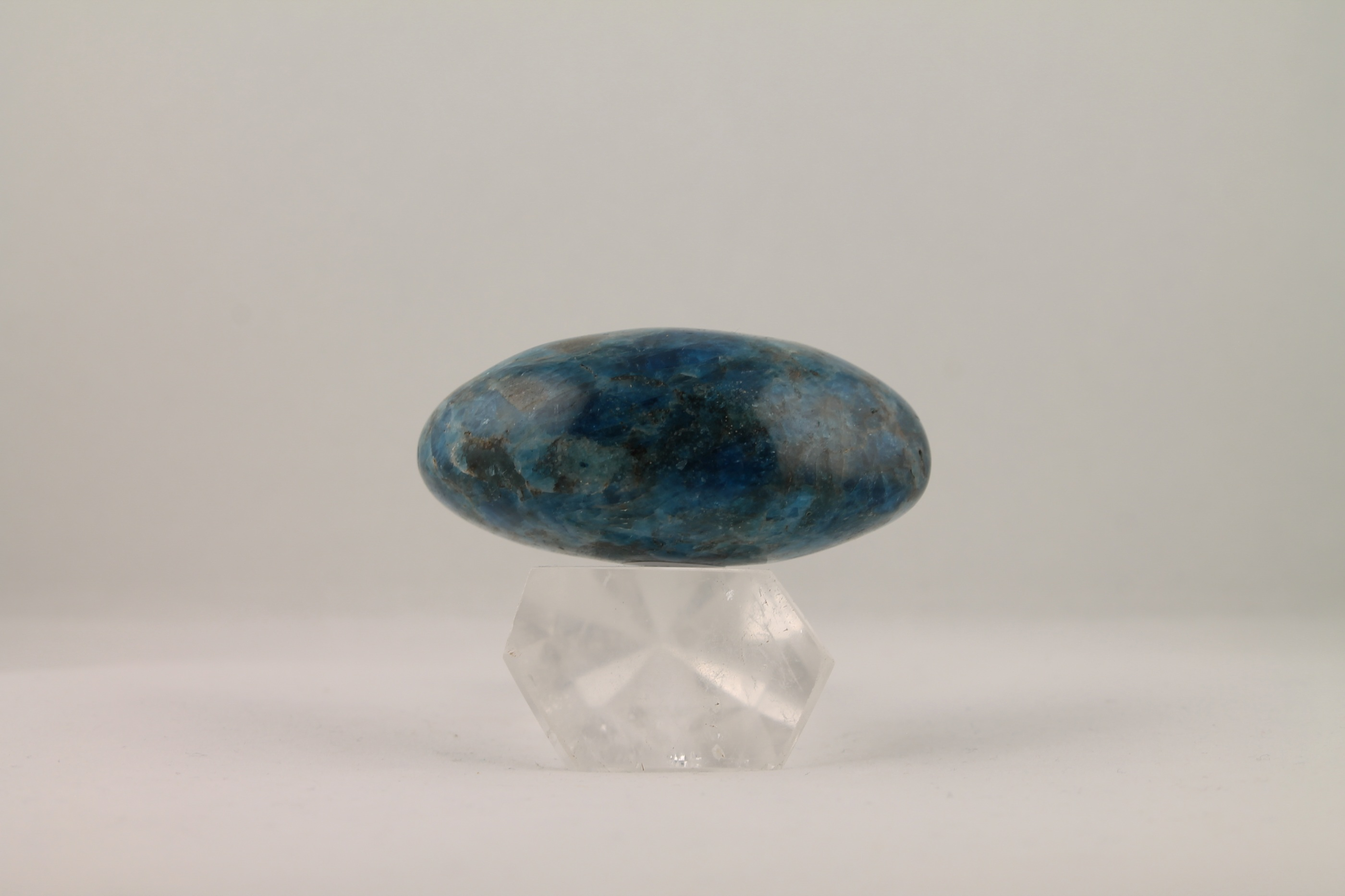 Apatit trumlade ädelstenar kristaller slipade stenar healing stenar chakra stenar
