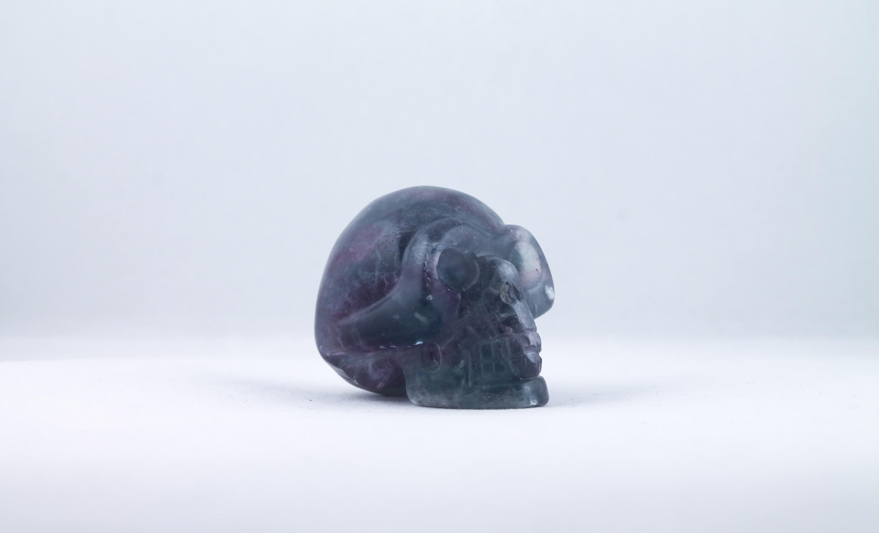 Fluorit döskalle trumlade spets stav kristaller slipade stenar healing stenar chakra stenar Wellness Ayurveda Halmstadmassören Halmstad Sverige Sweden svensk