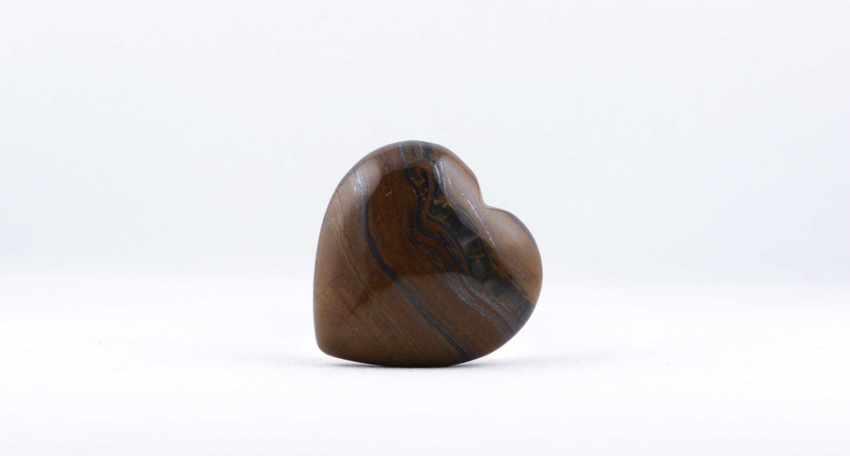 Tigeröga hjärta trumlade spets stav kristaller slipade stenar healing stenar chakra stenar Wellness Ayurveda Halmstadmassören Halmstad Sverige Sweden svensk