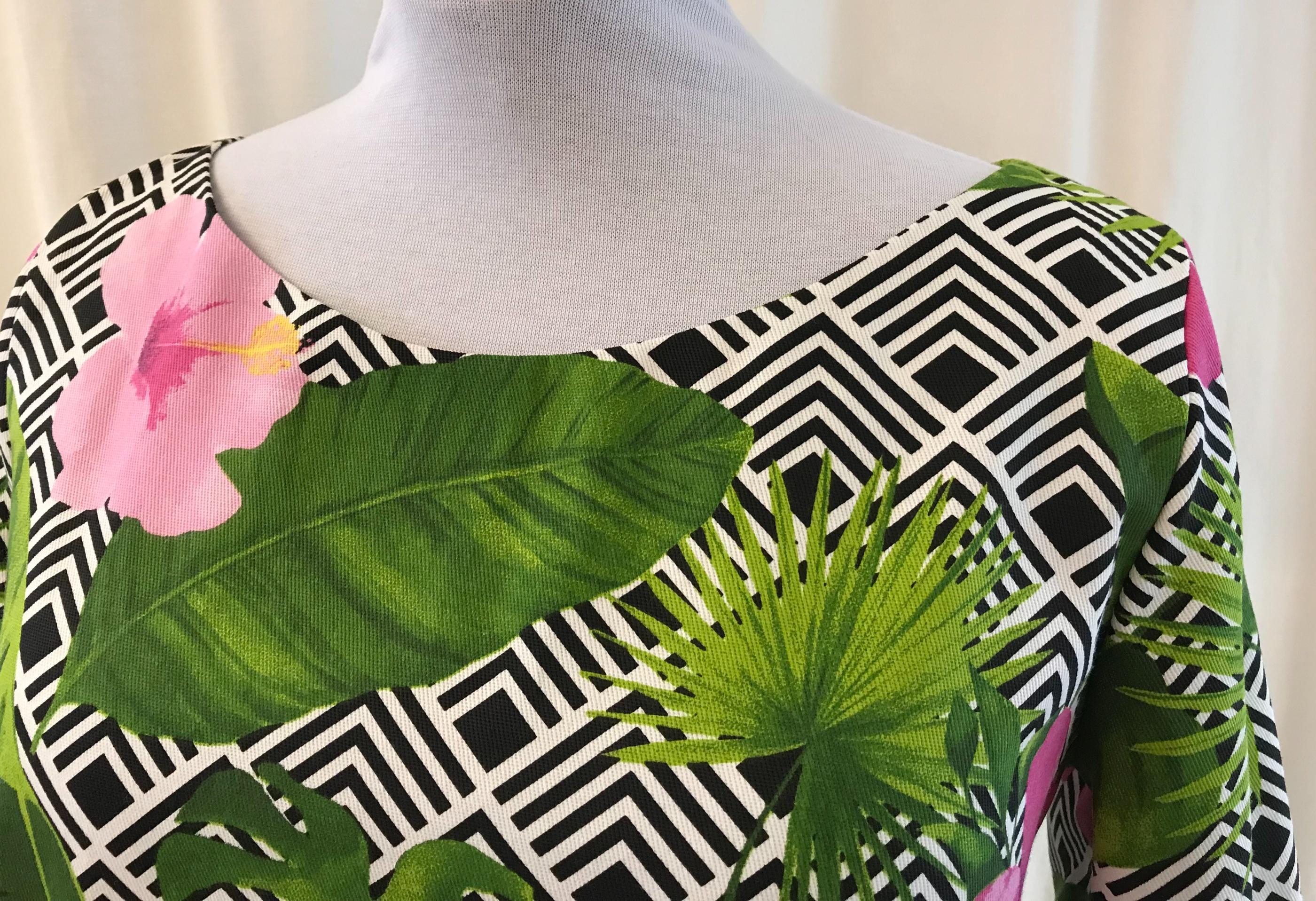 solbritt klänning SaraLaholm hibiskus mode design unik