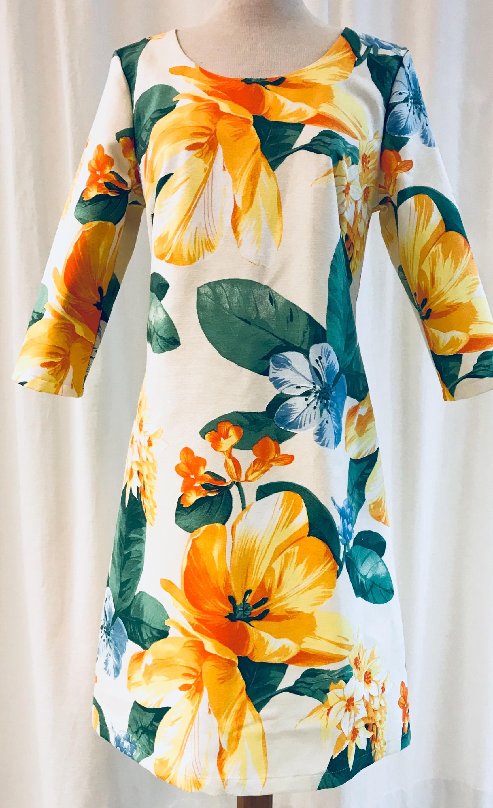 solbritt klänning solgul gul sommar blommor unik design