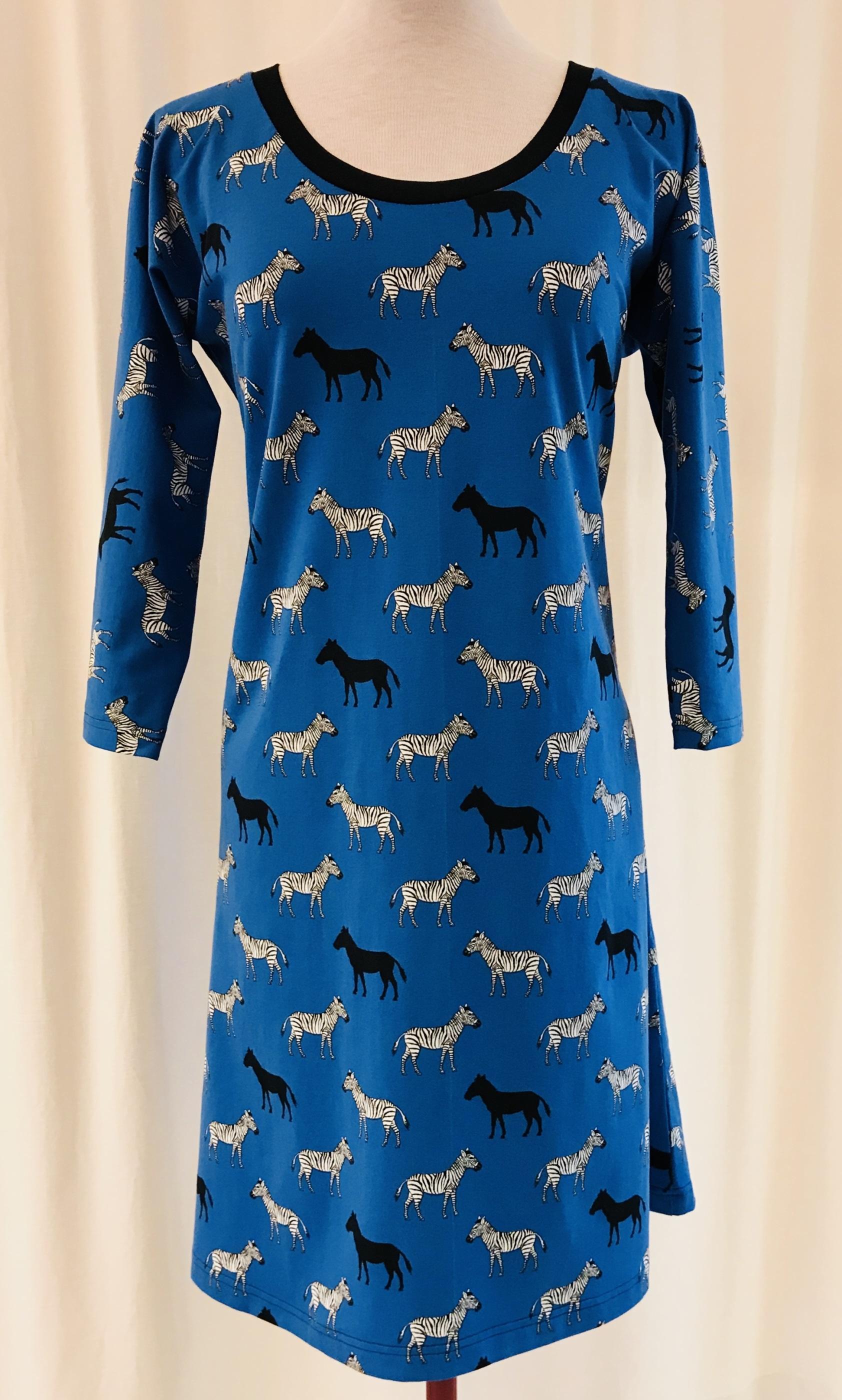 SaraLaholm klänning dahlia trikå klarblå zebra häst klänning unik design