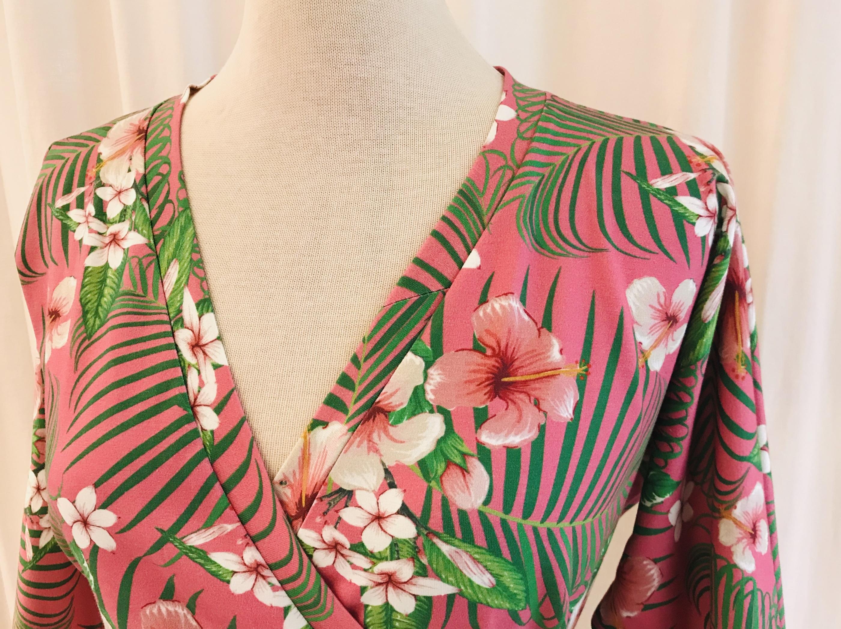 Viola klänning trikå tropik rosa SaraLaholm unik design