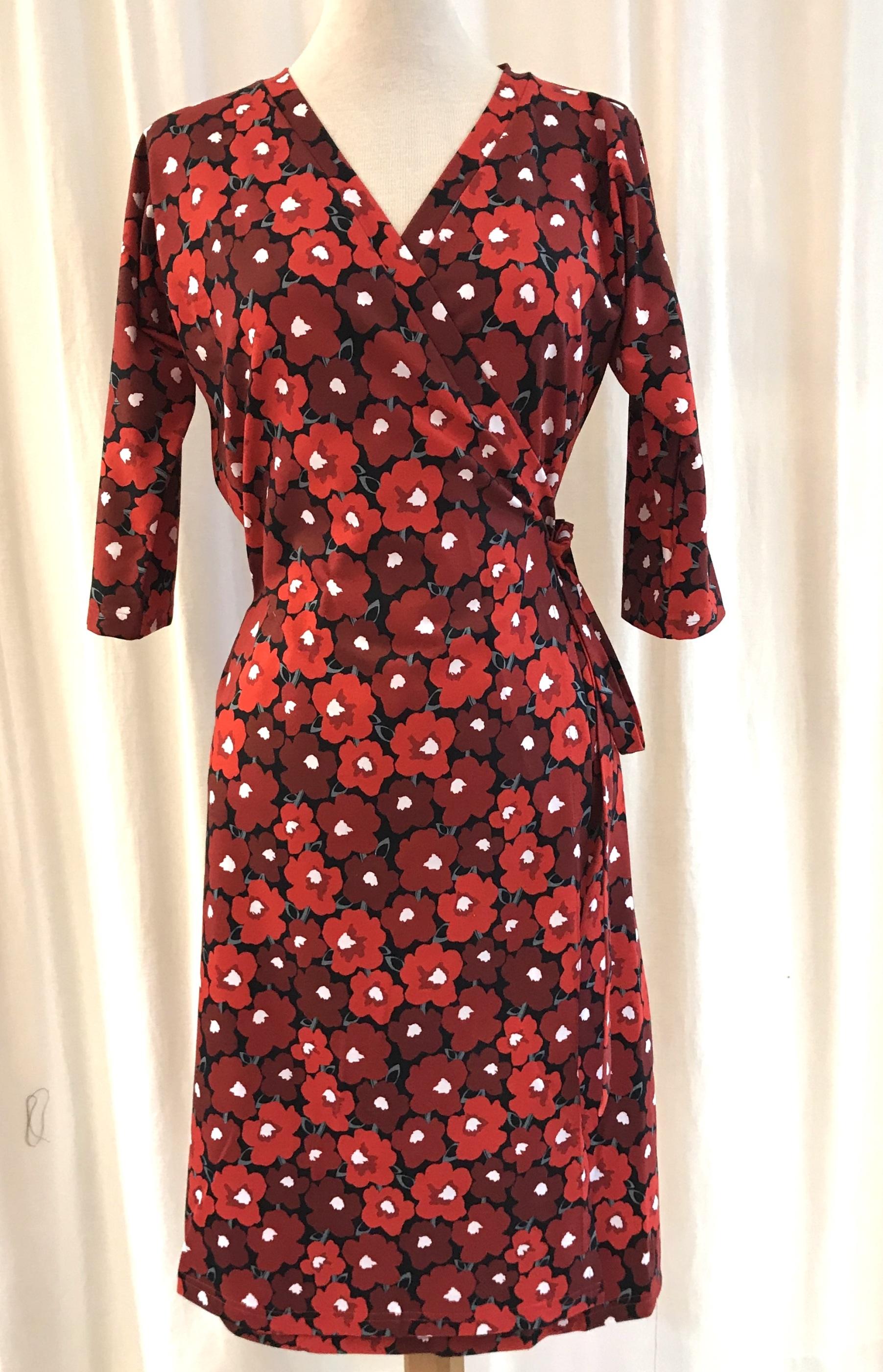 Viola klänning Omlottklänning retro poppy trikå bomull röd SaraLaholm unik design
