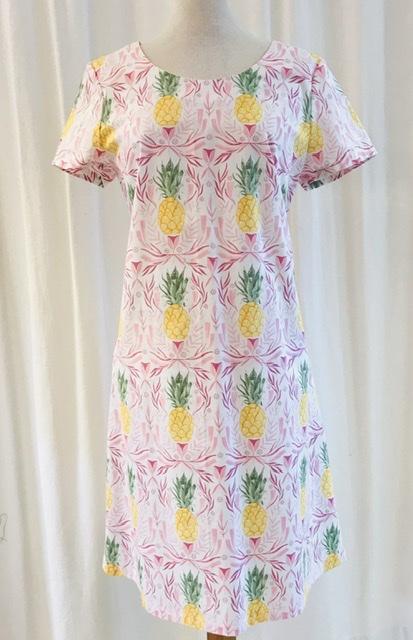 Klänning Solbritt pastell ananas bomull rosa unik design mer färg åt folket SaraLaholm