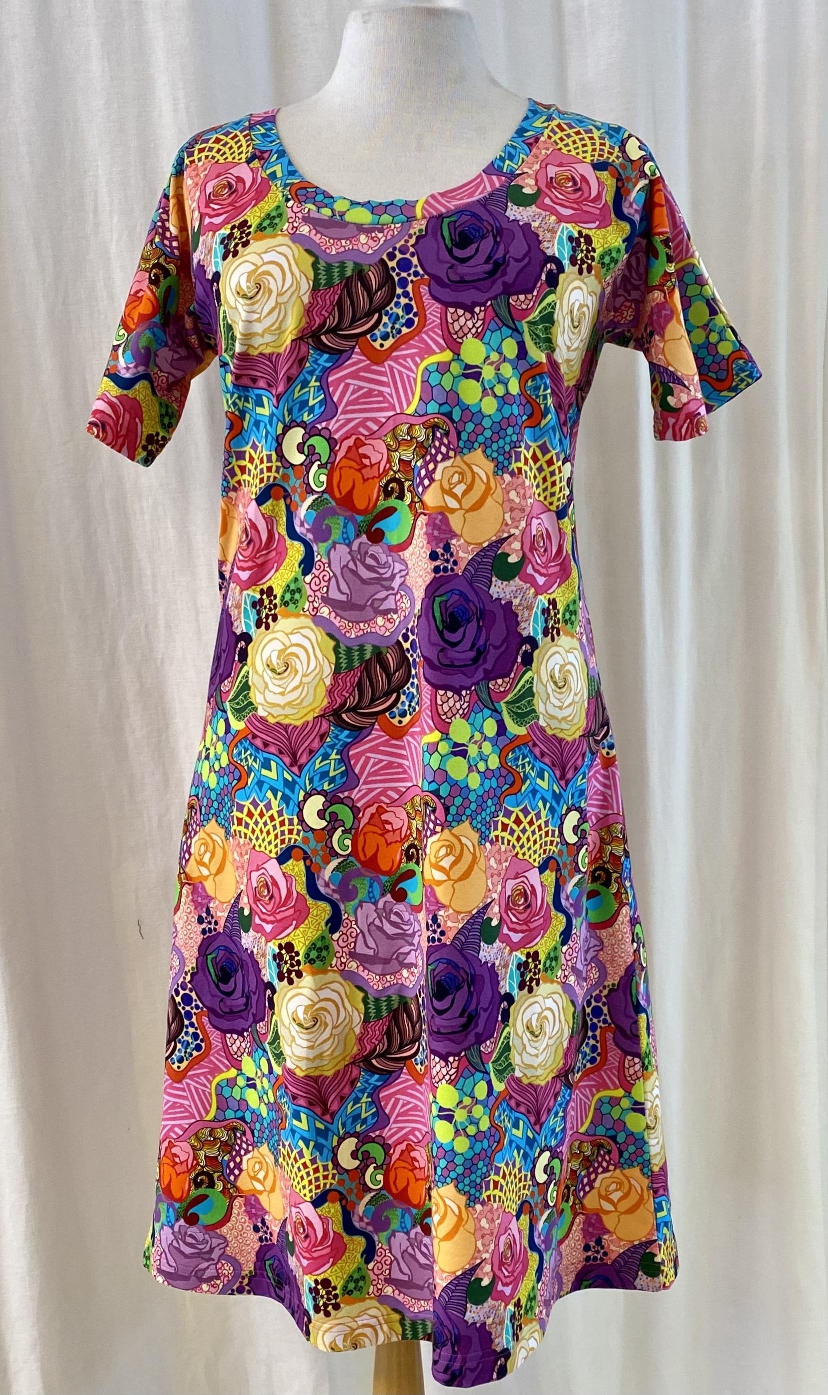 SaraLaholm klänning ros graffiti unik design rosor blommig Dahlia trikåklänning trikå