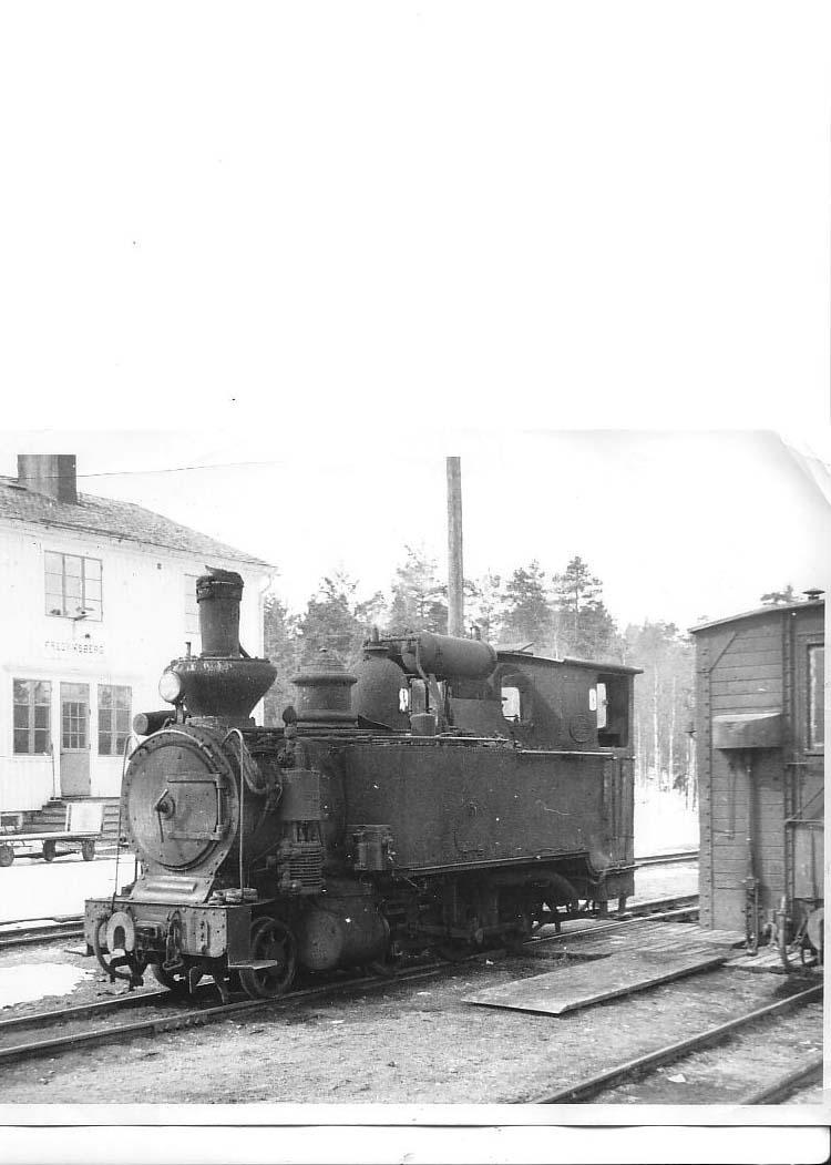 HJF lok nr 10 fd. Voxna - Lobonäs Jv nr 2 Fotot taget i Fredriksberg 1955.