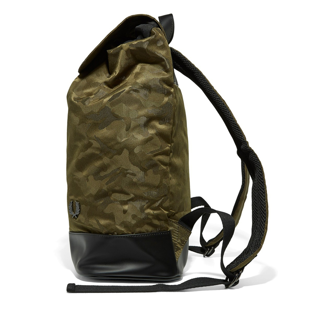 fred-perry-camo-ryggsack-gron-4116279-1000x1000