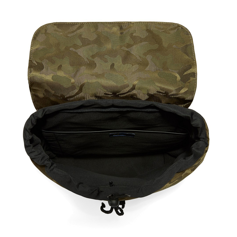 fred-perry-camo-ryggsack-gron-4116280-1000x1000