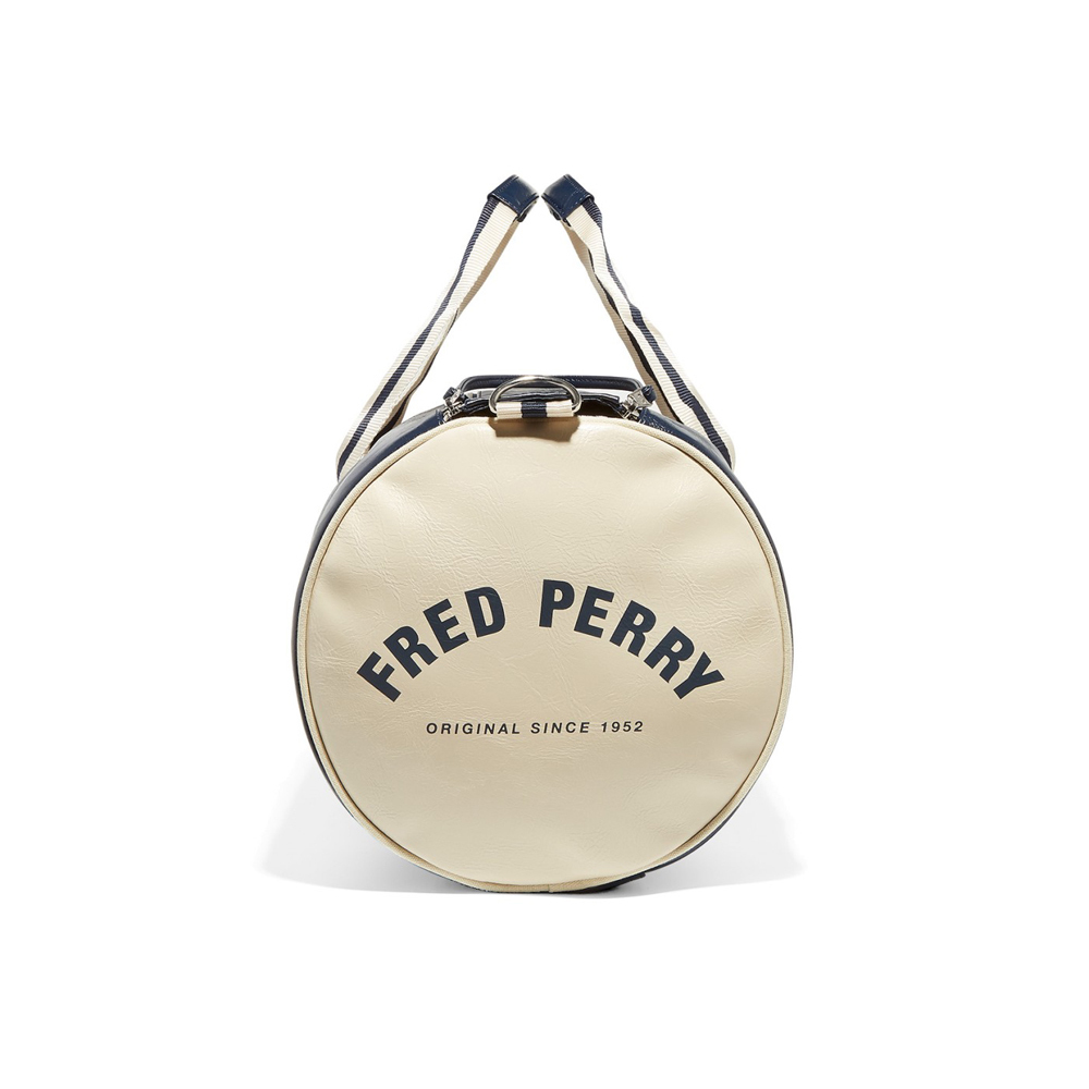 fred-perry-classic-barrel-bag-navy-5523376-1000x1000