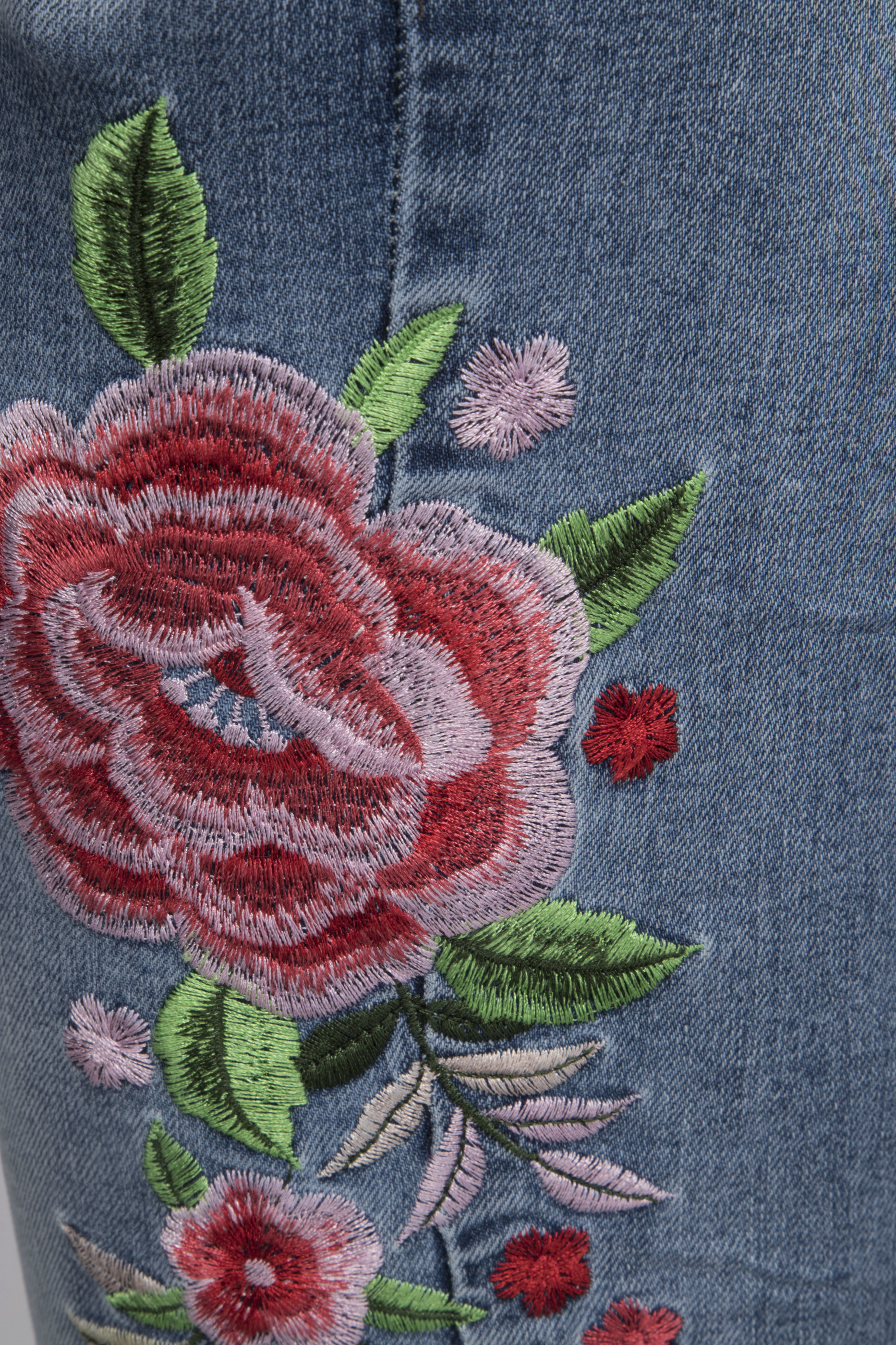 Chica-London-Broderade-Jeans-RD2201