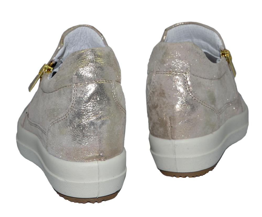 igi&co-sneakers-inbyggd-kilklack-guld