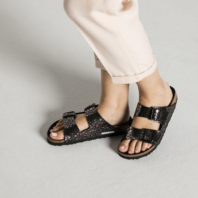 birkenstock-1008872-arizona-metallic-stone-black
