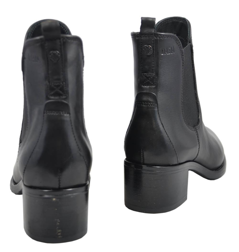 dasia-dittany-boots-skinn
