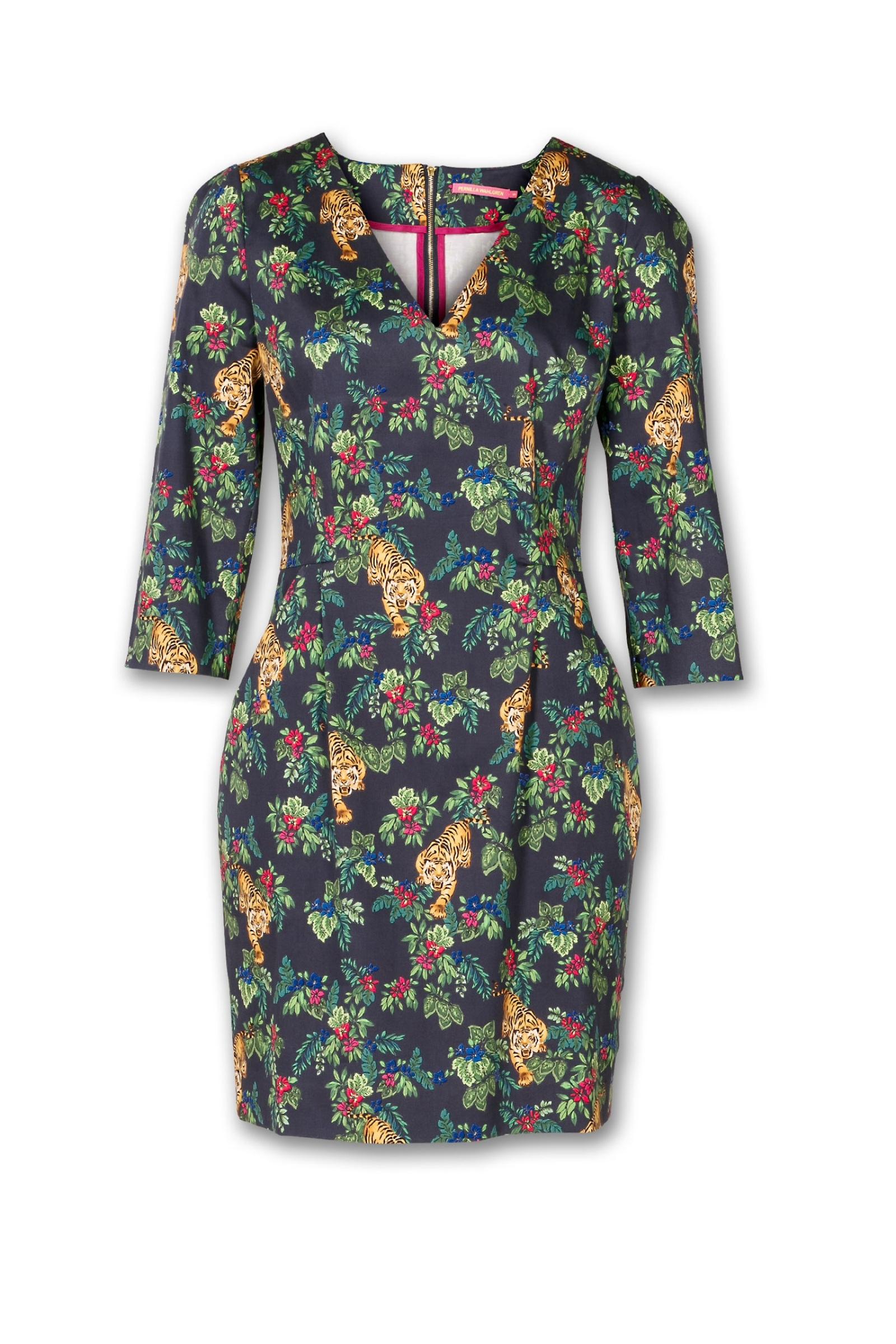 pernilla-wahlgren-emilia-pocket-dress