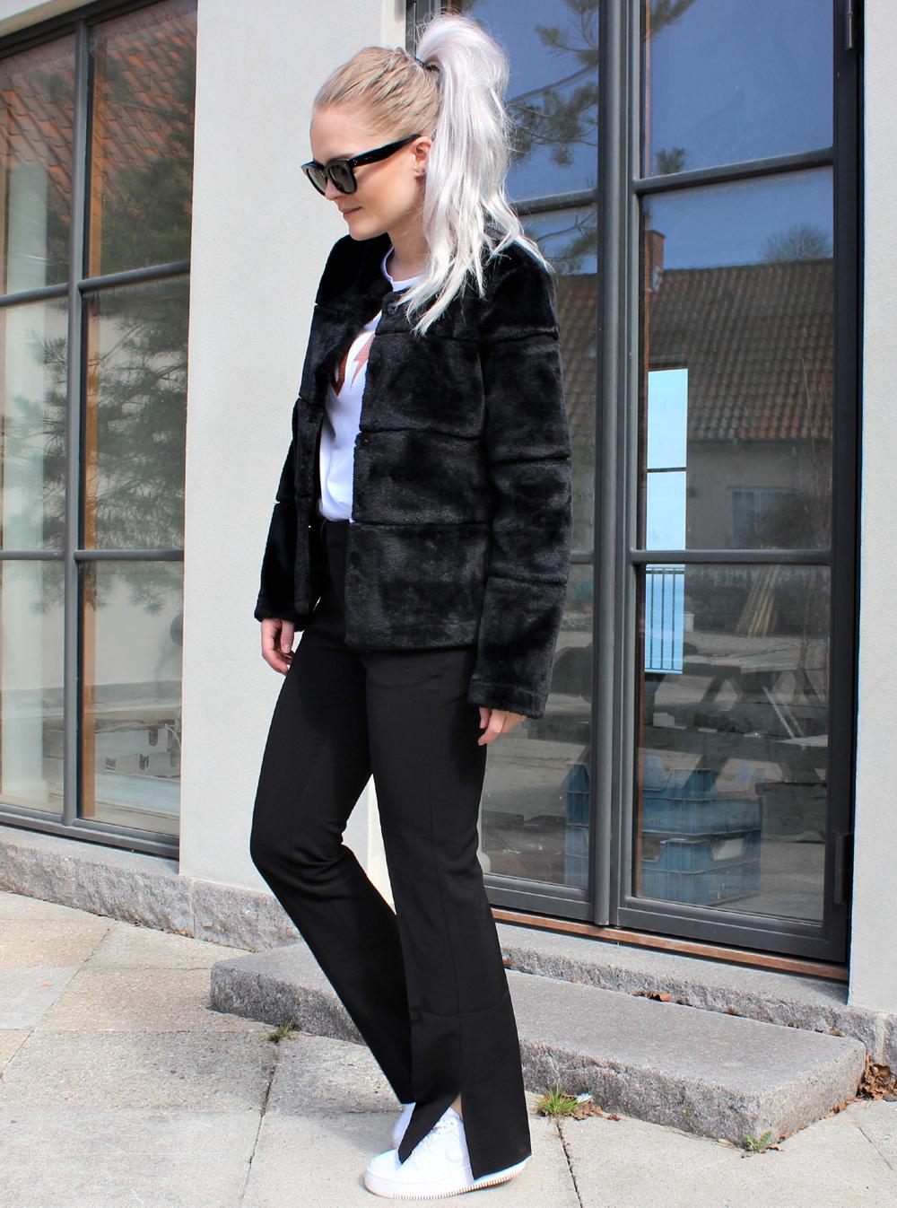 Kahla Faux Fur Jacket black 2