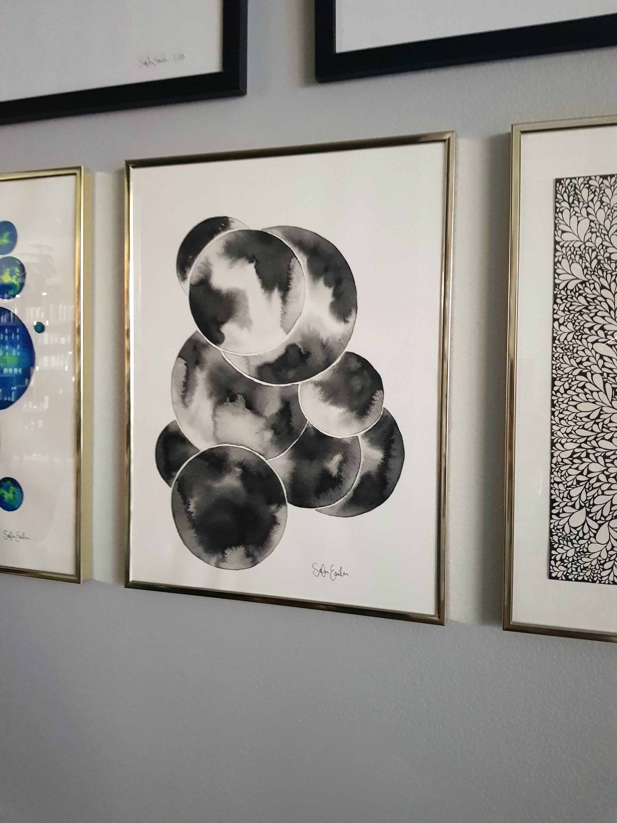circles in black and white