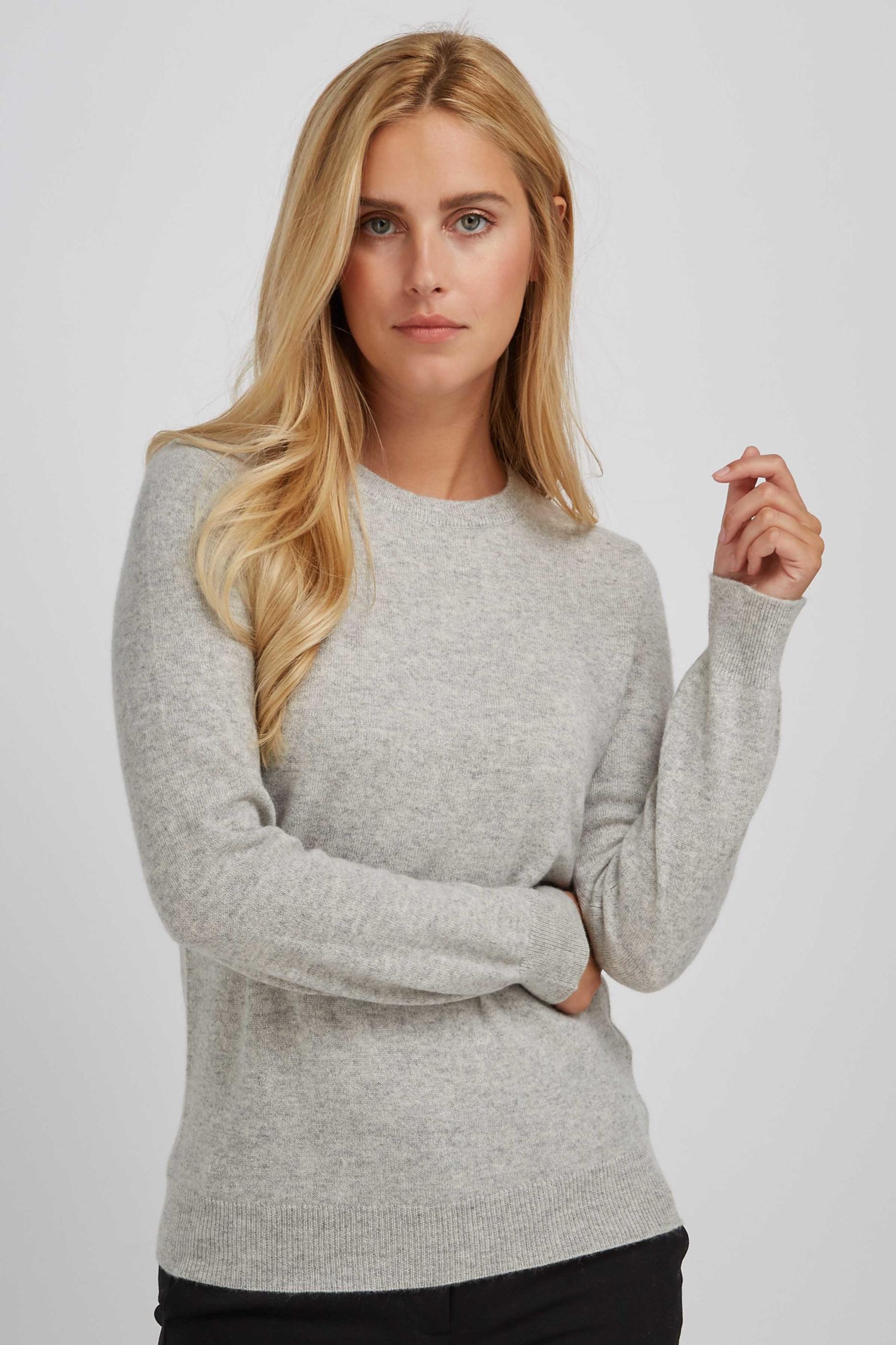 BasicSweater_LightGrey_3