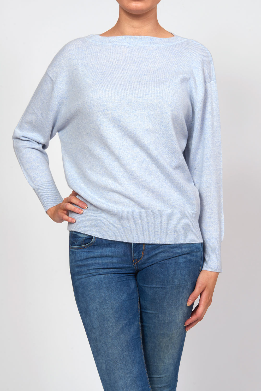 BoatneckSweater_LightBlue_Front