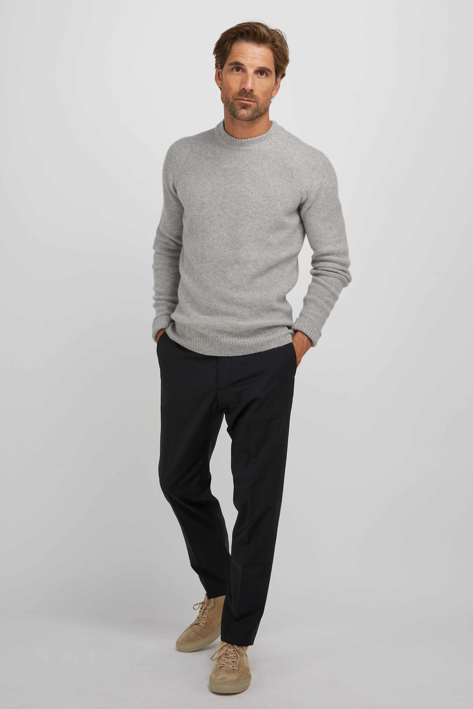 ManRaglanBoxSweater_LightGrey_2