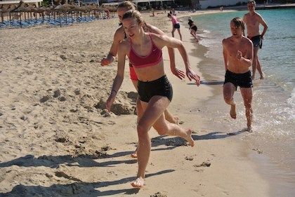 Stafett på beachen Mallorca