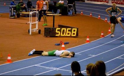 Andreas Almlöf trött efter sin semfinalvinst på 400m