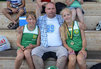 Larran med Maja Lundmark och Josefin Herstedt under en tävling i Kil i somras
